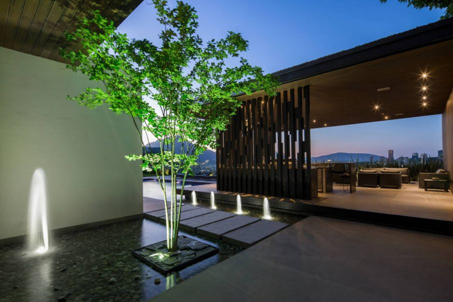 Naturalgreen 7 espejo de agua minimalista for Espejos minimalistas